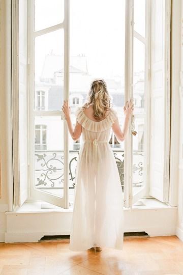 Elegant Blush Parisian Bridal Inspiration Featuring Luxurious Veils and Boudoir Ideas – Bonphotoge 29