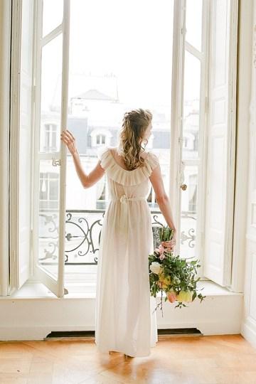 Elegant Blush Parisian Bridal Inspiration Featuring Luxurious Veils and Boudoir Ideas – Bonphotoge 30