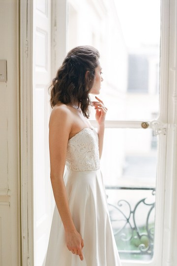 Elegant Blush Parisian Bridal Inspiration Featuring Luxurious Veils and Boudoir Ideas – Bonphotoge 34