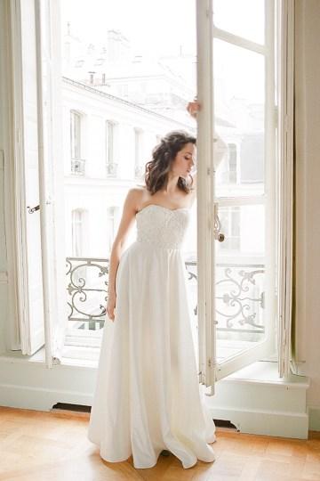 Elegant Blush Parisian Bridal Inspiration Featuring Luxurious Veils and Boudoir Ideas – Bonphotoge 36