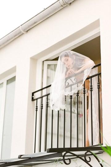 Elegant Blush Parisian Bridal Inspiration Featuring Luxurious Veils and Boudoir Ideas – Bonphotoge 40