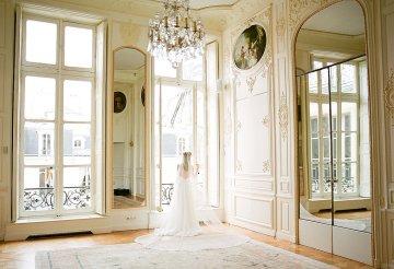 Elegant Blush Parisian Bridal Inspiration Featuring Luxurious Veils and Boudoir Ideas – Bonphotoge 67