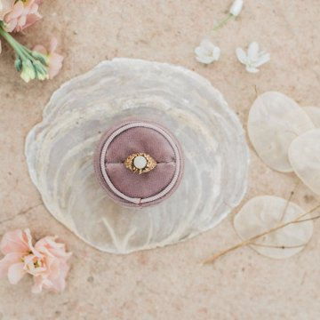 Organic and Foraged Romantic Puglia Wedding Inspiration – Lace and Luce 11