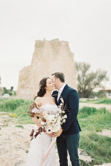 Organic and Foraged Romantic Puglia Wedding Inspiration – Lace and Luce 13