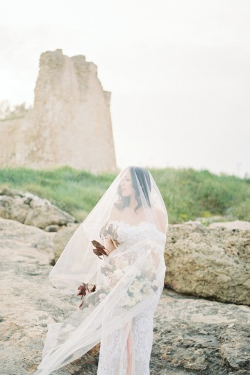 Organic and Foraged Romantic Puglia Wedding Inspiration – Lace and Luce 15