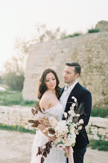 Organic and Foraged Romantic Puglia Wedding Inspiration – Lace and Luce 16