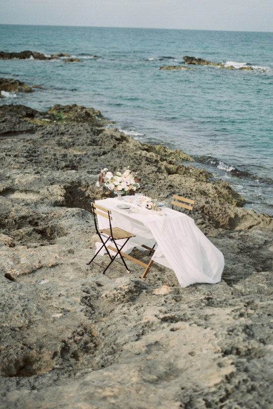 Organic and Foraged Romantic Puglia Wedding Inspiration – Lace and Luce 17