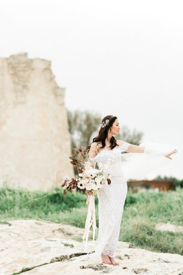 Organic and Foraged Romantic Puglia Wedding Inspiration – Lace and Luce 35