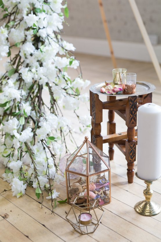 Trendy Loft Wedding Inspiration Featuring A Triangle Altar – Deluxe Blooms 15