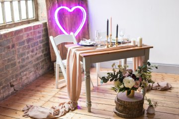 Trendy Loft Wedding Inspiration Featuring A Triangle Altar – Deluxe Blooms 9