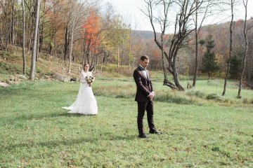 Warm Fall Catskills Wedding With Ceremony Sparklers – Christina Lilly Photography – Buds of Brooklyn 1