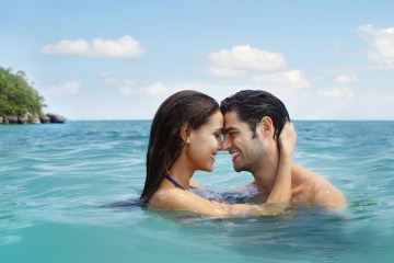 Four Jamaican Honeymoon Resorts We're Dying To Visit – Couples San Souci 1