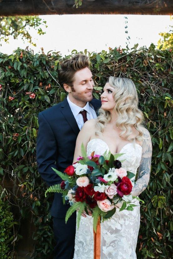 Metallic Copper Wedding Inspiration With A Creative Hexagon Altar – Allie Marion 33