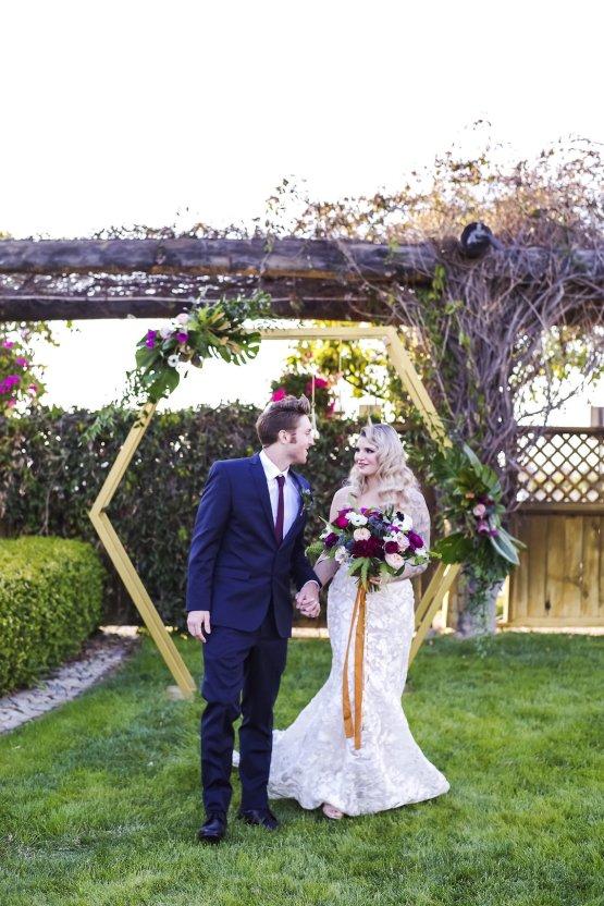 Metallic Copper Wedding Inspiration With A Creative Hexagon Altar – Allie Marion 41