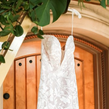 Metallic Copper Wedding Inspiration With A Creative Hexagon Altar – Allie Marion 6