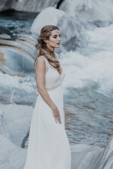 Misty Blue River Goddess Bridal Inspiration – Jaypeg Photography 11