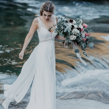Misty Blue River Goddess Bridal Inspiration – Jaypeg Photography 16