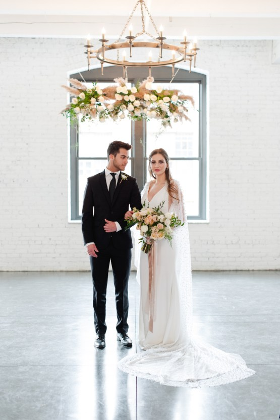 Modern Marble Wedding Inspiration With A Pearl Bridal Cape – Roots of Life Photography 27