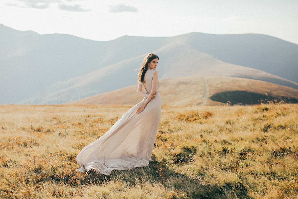 Romantic Wedding Dresses For The Bride Who Wants Subtle Color On