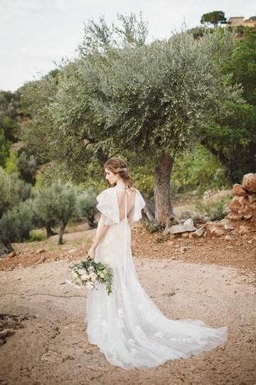The Dreamiest Mallorca Mountain Bridal Inspiration – Vivid Symphony 60