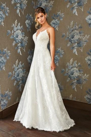 10 Stunning Wedding Dresses By Destination – Val Stefani Dahlia Dress 1