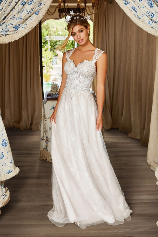10 Stunning Wedding Dresses By Destination – Val Stefani Ellwood Dress 2
