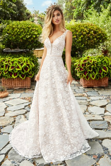 10 Stunning Wedding Dresses By Destination – Val Stefani Marigold Dress 1