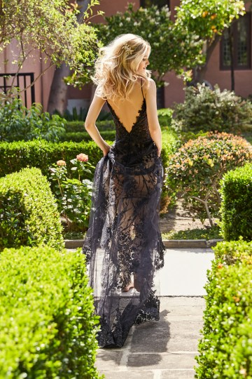 10 Stunning Wedding Dresses By Destination – Val Stefani Marina Dress 2