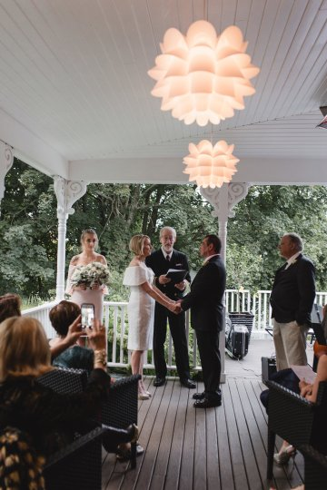 Intimate and Charming New England Bed and Breakfast Wedding – Juliana Montane Photography 10