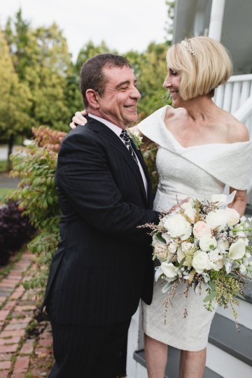 Intimate and Charming New England Bed and Breakfast Wedding – Juliana Montane Photography 24