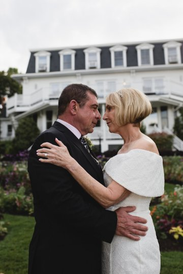 Intimate and Charming New England Bed and Breakfast Wedding – Juliana Montane Photography 28
