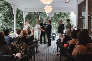 Intimate and Charming New England Bed and Breakfast Wedding – Juliana Montane Photography 4