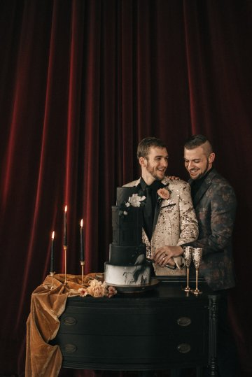 Luxe Mansion Wedding Inspiration Featuring Masculine Florals and Deep Tones – Alex Tenser – Swoon Soiree 12