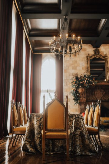 Luxe Mansion Wedding Inspiration Featuring Masculine Florals and Deep Tones – Alex Tenser – Swoon Soiree 15
