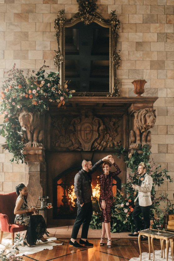 Luxe Mansion Wedding Inspiration Featuring Masculine Florals and Deep Tones – Alex Tenser – Swoon Soiree 31