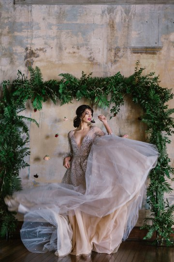 Whimsical Crimson and Green Holiday Wedding Inspiration – Stacy Able Photography 29