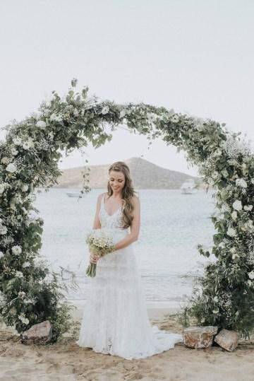 Boho Greek Island Wedding Featuring A Circle Floral Arch – Paulina Weddings 19