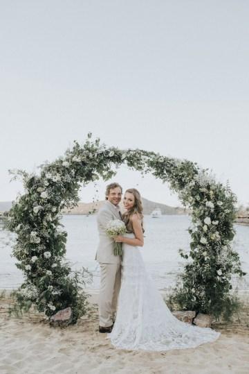 Boho Greek Island Wedding Featuring A Circle Floral Arch – Paulina Weddings 24