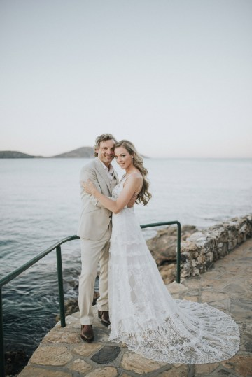 Boho Greek Island Wedding Featuring A Circle Floral Arch – Paulina Weddings 31