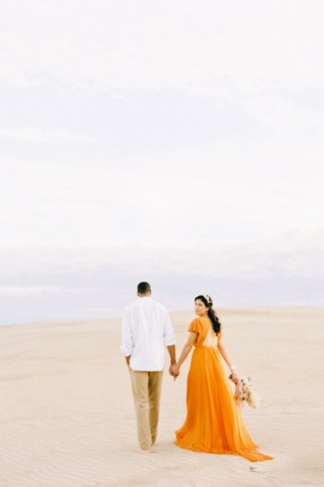 How to Style Your Engagement Session for the Perfect Save The Date – Minted Weddings 44