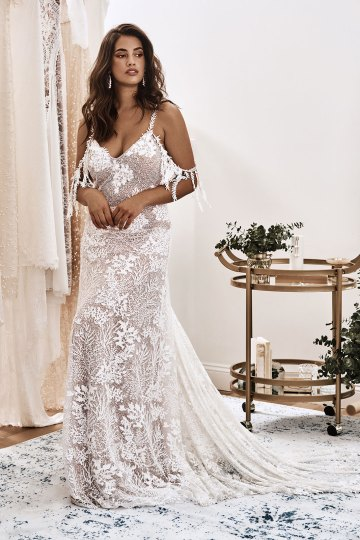 10 Reasons You Should Shop for Your Wedding Dress at The Grace Loves Lace NYC Boutique – Sol Gown 1