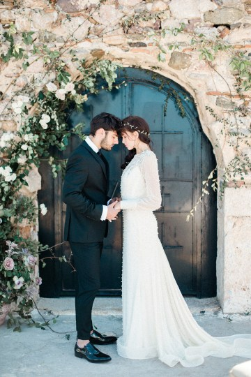 Luxurious Wedding Inspiration From An Ancient Greek Chapel – Nina Wernicke 9
