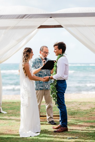 Playful and Intimate North Shore Oahu Beach Wedding – Chelsea Stratso Photography 16