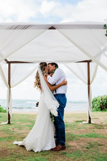 Playful and Intimate North Shore Oahu Beach Wedding – Chelsea Stratso Photography 18