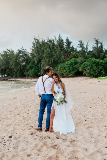 Playful and Intimate North Shore Oahu Beach Wedding – Chelsea Stratso Photography 25
