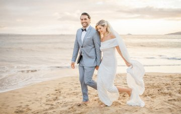 A Laid-Back Hawaiian Beach Wedding (Planned In Two Months!)