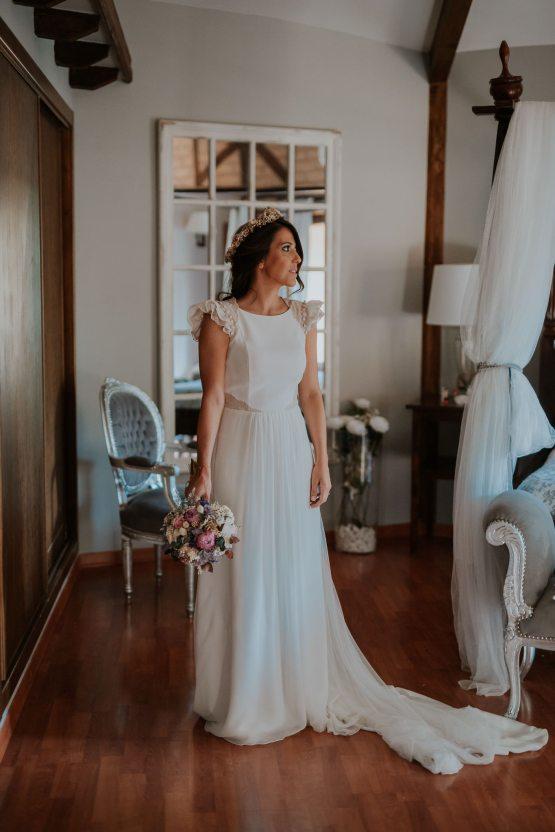 Romantic and Fashionable Spanish Boho Wedding – Javier Berenguer 20