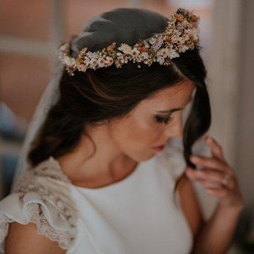 Romantic and Fashionable Spanish Boho Wedding – Javier Berenguer 5