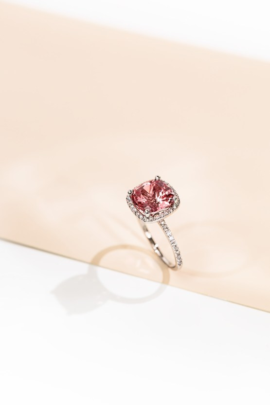 Stunning Conflict-Free & Eco-Friendly MiaDonna Engagement Rings 15