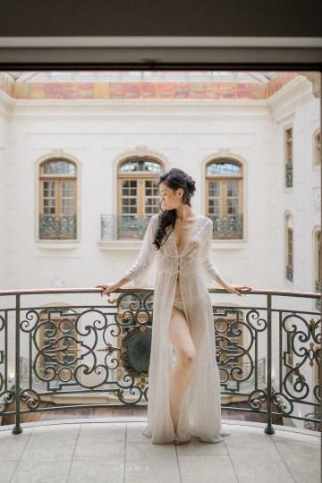 A Dramatic Gold Wedding Dress for the Goddess Bride – Vivid Symphony 16